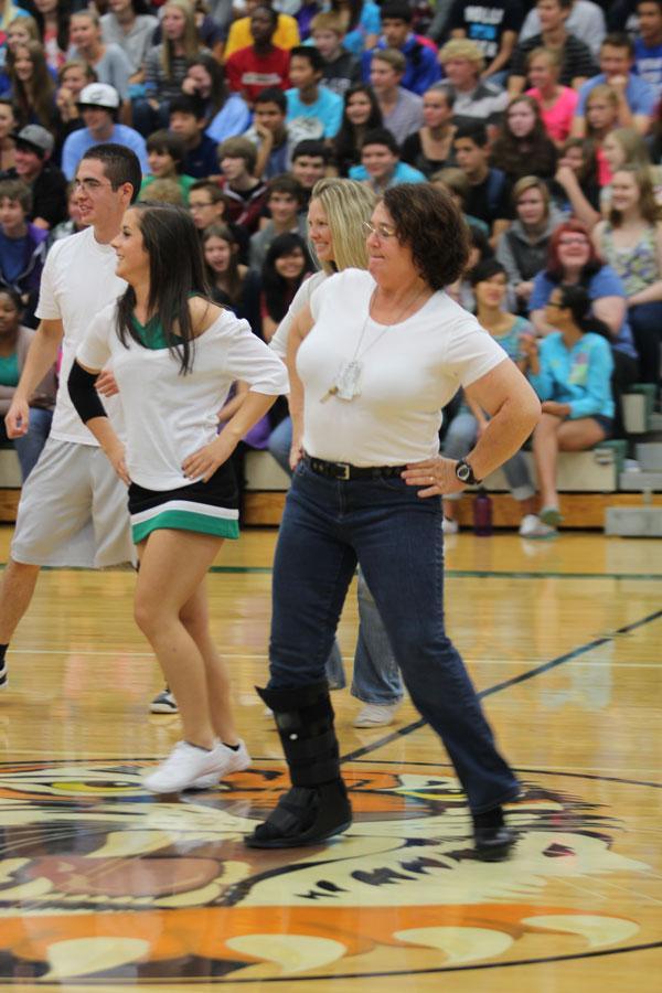 Teachers dance Gangnam Style