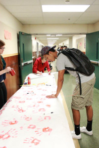 Students pledge to make healthy decisions during Red Ribbon Week