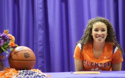 Alexis Carter signs onto Clemson University