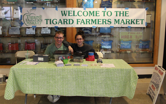 Tigard citizens enjoy farmers market at Harvest Festival