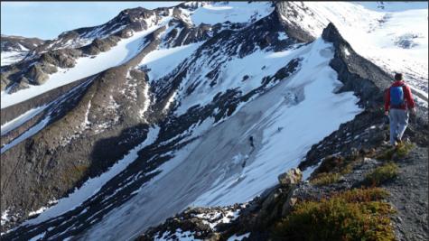 Student hikers lost on Mount Hood