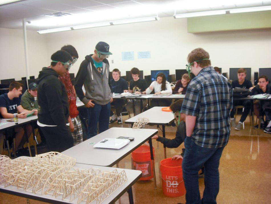 Moore+brings+engineering+electives+to+junior+hall