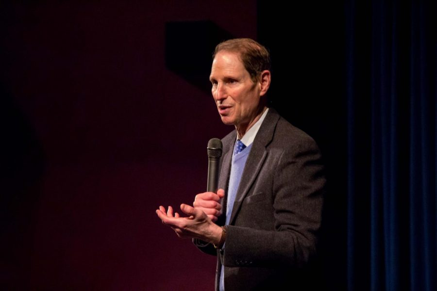 Ron+Wyden+holds+a+town+hall+in+the+auditorium.+He+answered+questions+from+students+and+others+in+the+Tigard+community.