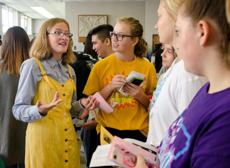 Last year's Club Rush drew crowds. Cat Terrell, '19, talked up Philosophy Club to sophomores Kylee Smith, Faith Heupel, Hannah Southard and Katie Sheasgreen.