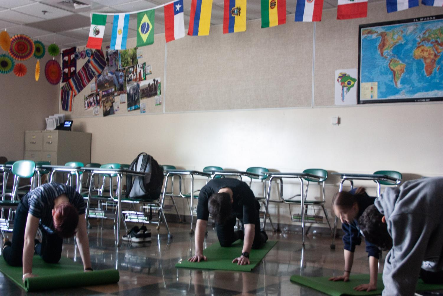 Students can participate in a mindfulness class. They do yoga and meditation.