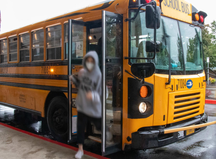Monday Sept. 27. bus route 42 arrives 20 minutes late to school. A flash alert was sent to the TTSD community earlier that morning.