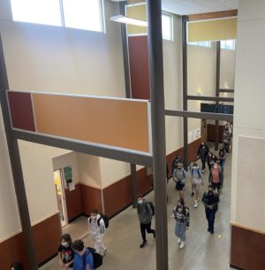 Students make their way back to class after lunch. Passing periods between classes have been shortened from 10 minutes to 5. Students and staff have feelings about this change.